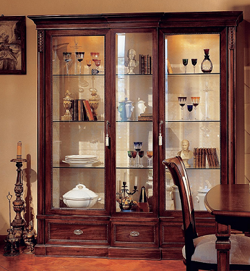 Шкаф для сувениров