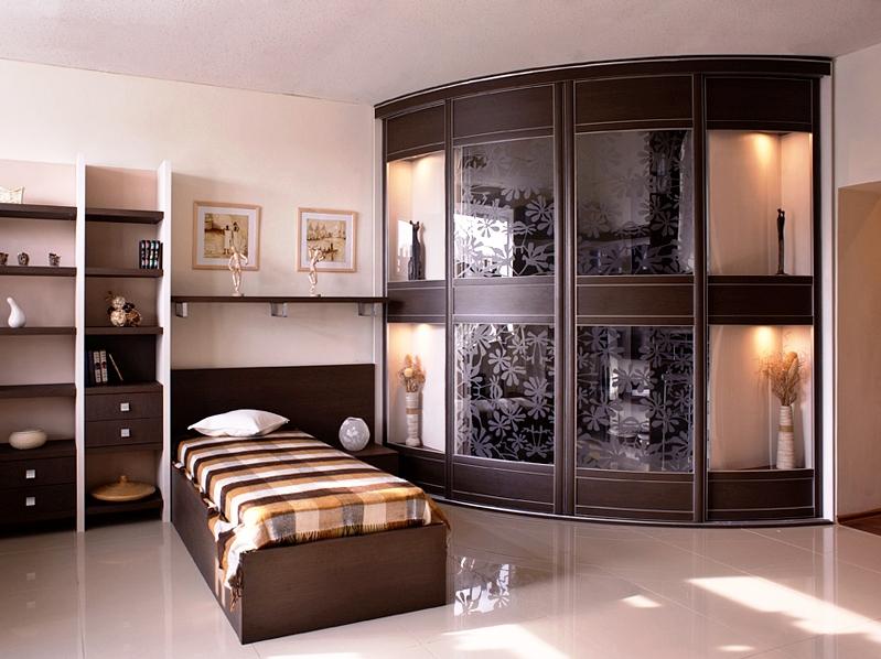 Шкаф с комбинированными вставками