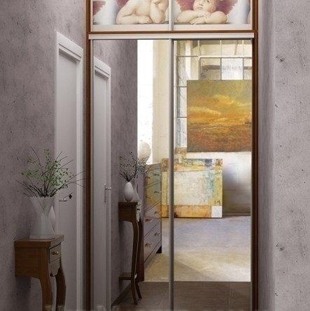 Шкаф с узкими дверями