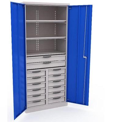 Шкаф со множеством ящиков