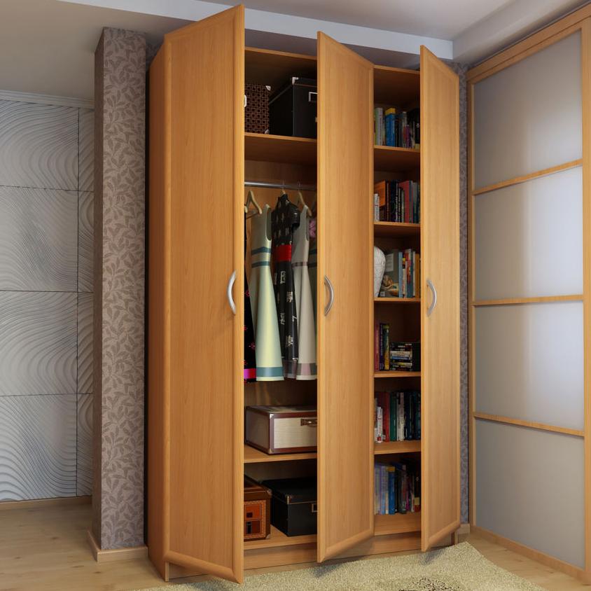 Шкаф трехстворчатый распашной