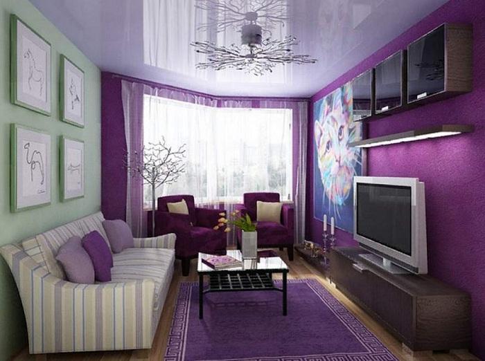 Смелое цветовое решение для небольшой гостиной