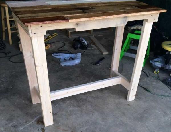 Создаем ножки и перемычки мебели