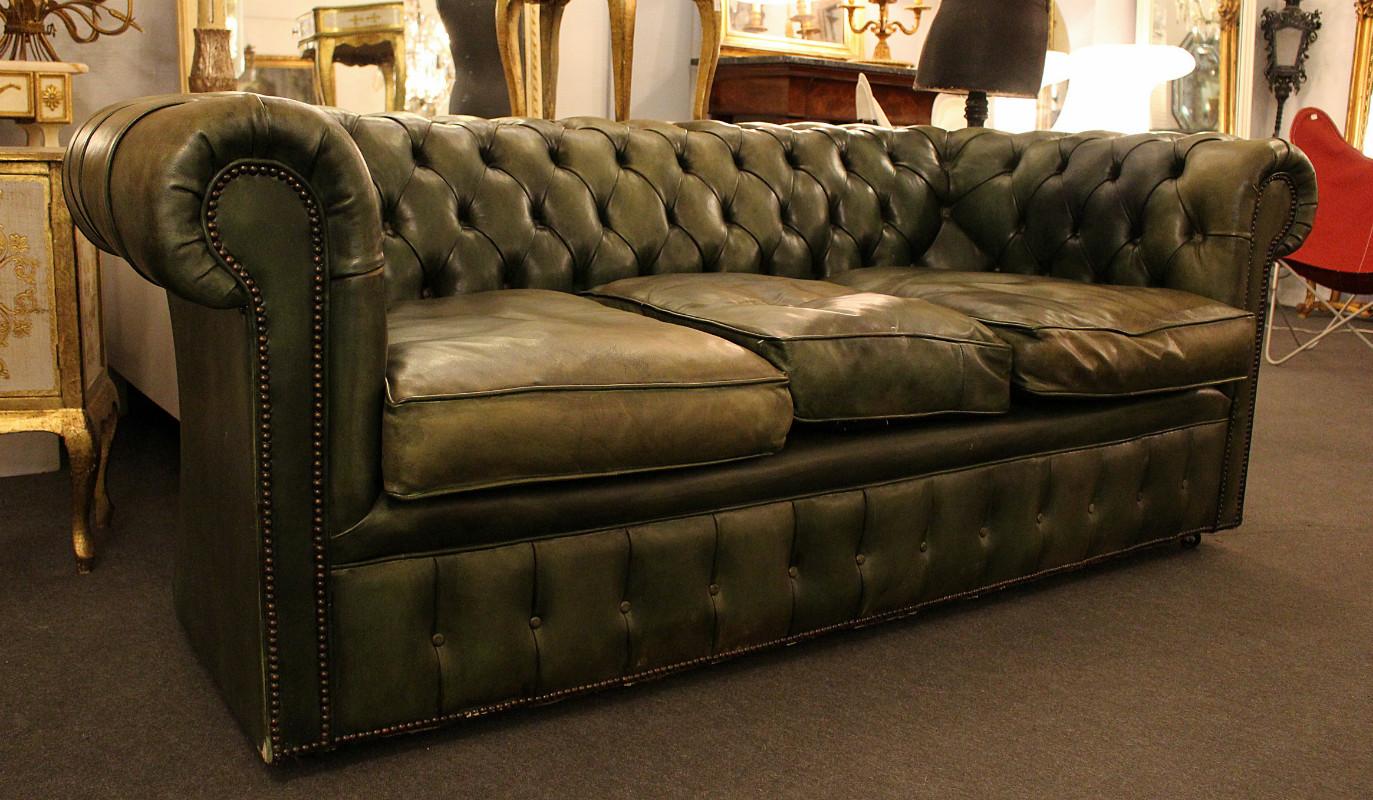 Стеганый прямой диван