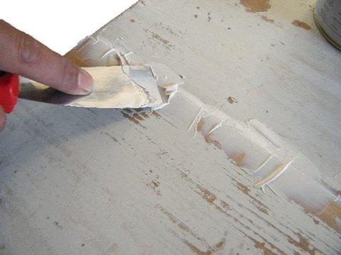 Удаление трещин с мебели