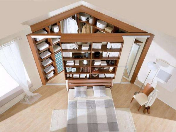 Угловой шкаф-купе в гостиную