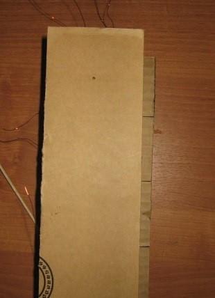 V-verhnej-chasti-elementa-2-delaem-nebolshoj-proem Шкаф для куклы своими руками из коробки и картона