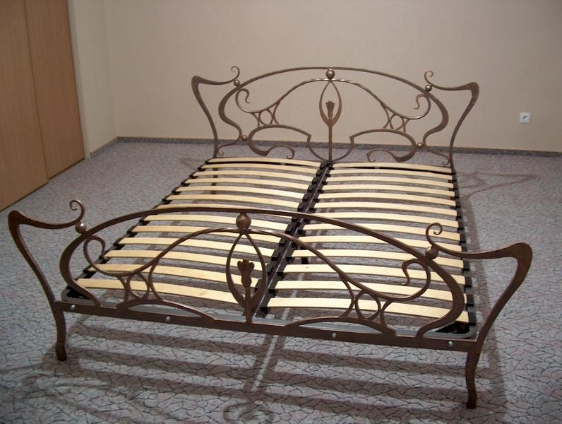 Вариант кованого изголовья кровати