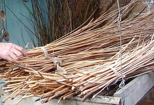 Ветки деревьев для плетеной мебели