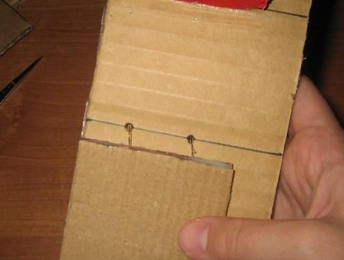 Vse-ostalnye-provoloki-krepyatsya-takzhe Шкаф для куклы своими руками из коробки и картона