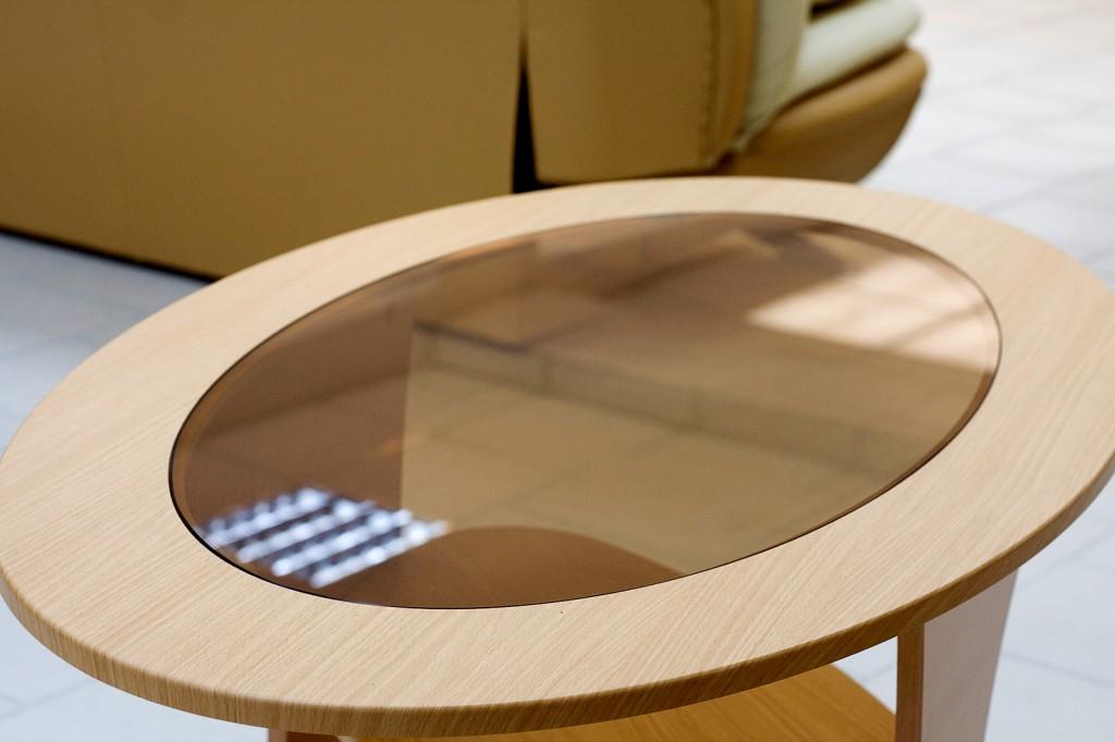 Вставки из стекла на мебели
