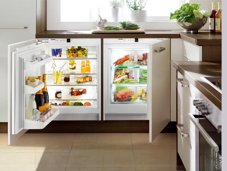 Встроенный шкаф под морозильную камеру