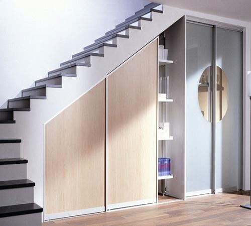 Встроенный шкаф в частном доме