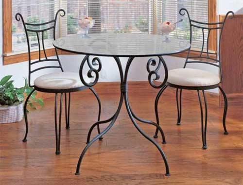 Выбор металлической мебели для дома