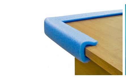 Защищаем углы корпусной мебели