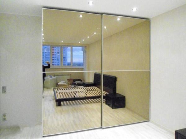 Зеркальный фасад