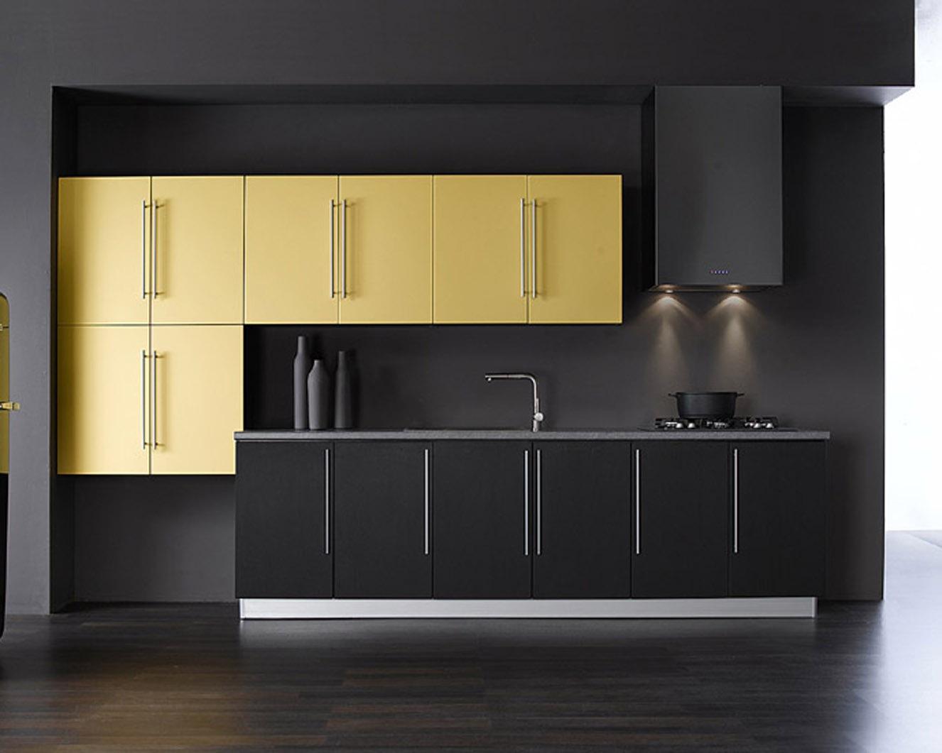 Золотой цвет в интерьере кухни