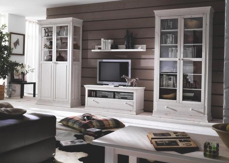 Белая корпусная мебель в гостиную