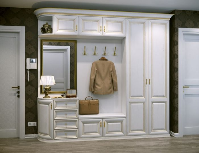 Белая мебель в современной прихожей