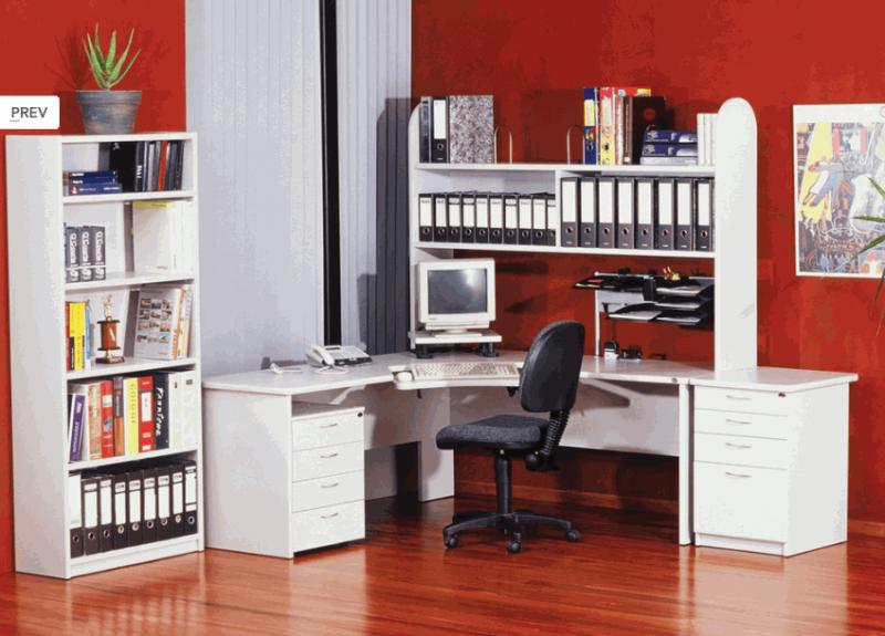 Белый комплект мебели для рабочго места