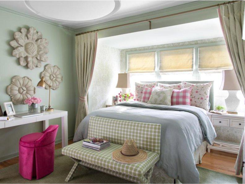 Большая двуспальная кровать для детской комнаты