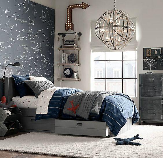 Большая кровать с ящиками