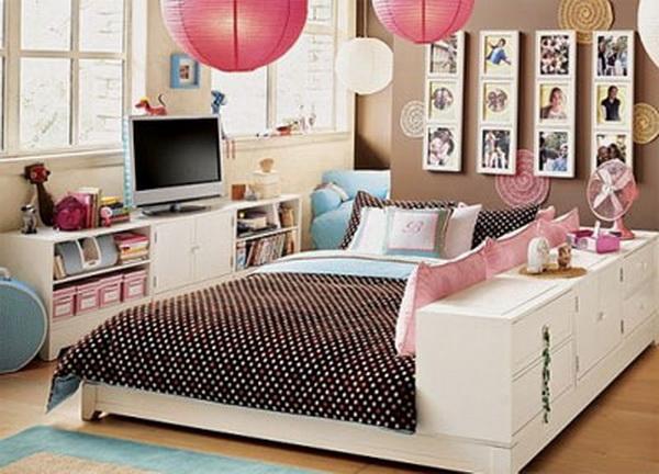 Большая просторная кровать