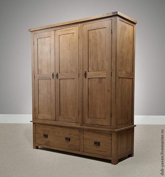 Большой шкаф из дуба