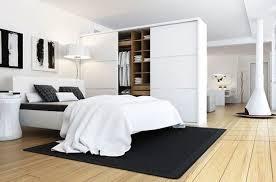 Большой шкаф в спальне гостиной