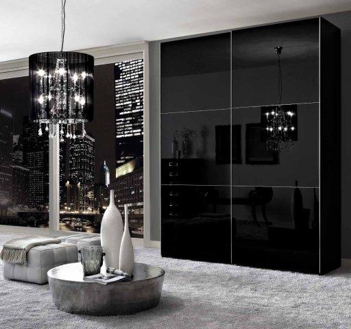 Черный глянцевый шкаф