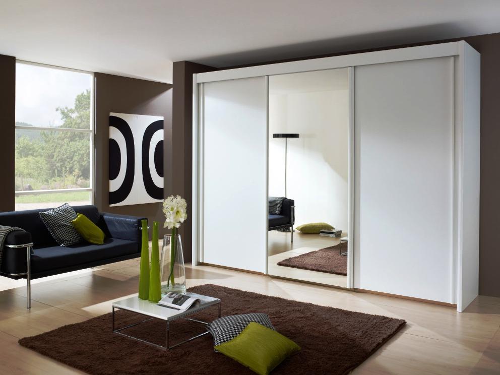 Дизайн гостиной со шкафом купе