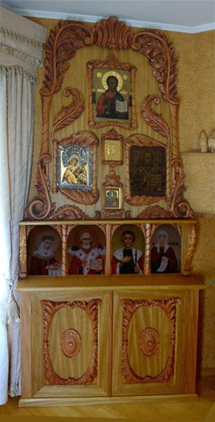 Домашний иконостас деревянный