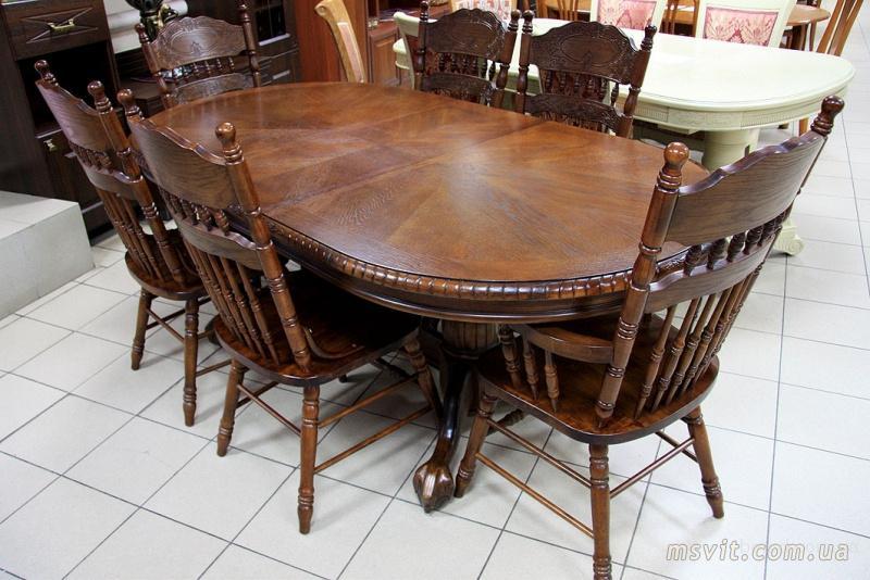 Дубовый красивый стол
