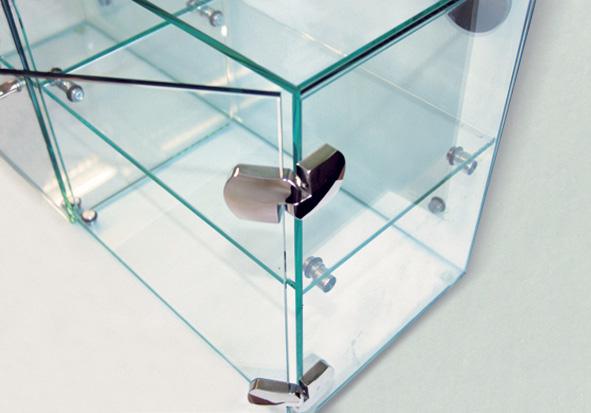 Фурнитура для мебели из стекла