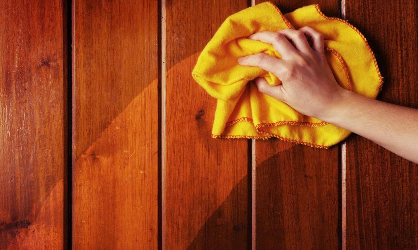 Как очистить мебель из дерева