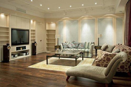Как поставить мебель в большой гостиной комнате