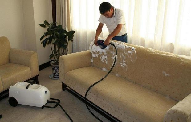 Как правильно сделать диван чистым