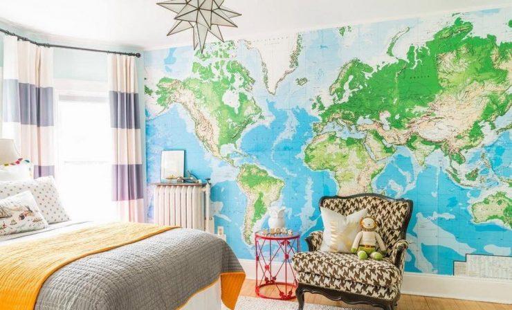 Карта на стене в детской комнате
