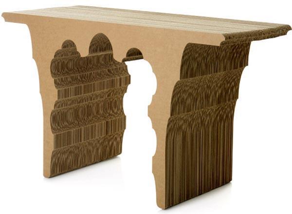 Картонный стол