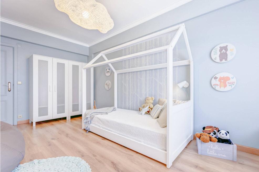 Комната для малыша в светлых тонах