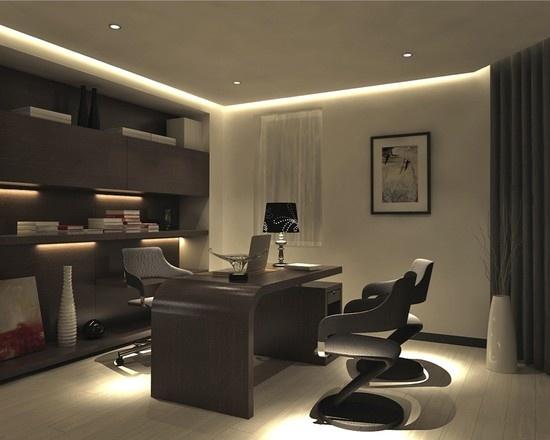 Коричневая мебель в кабинете