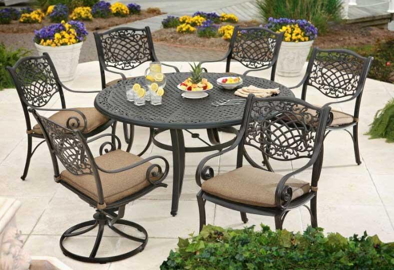 Кованая садовая мебель и ее преимущества