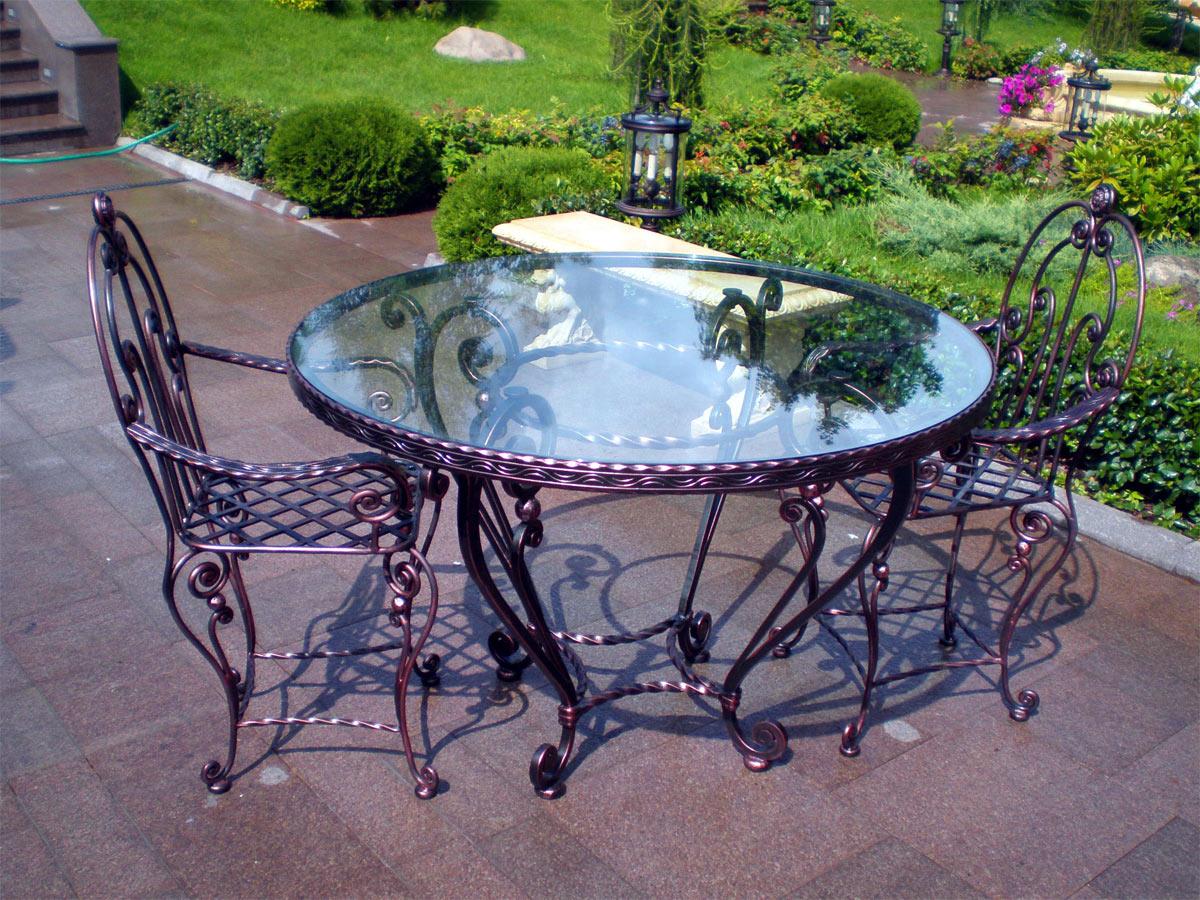 Кованая садовая мебель со стеклянной столешницей