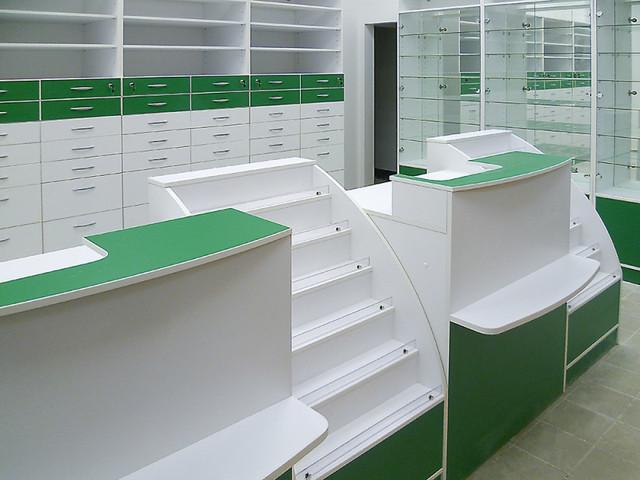 Красивая бело-зеленая мебель