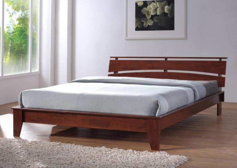 Кровать на ножках