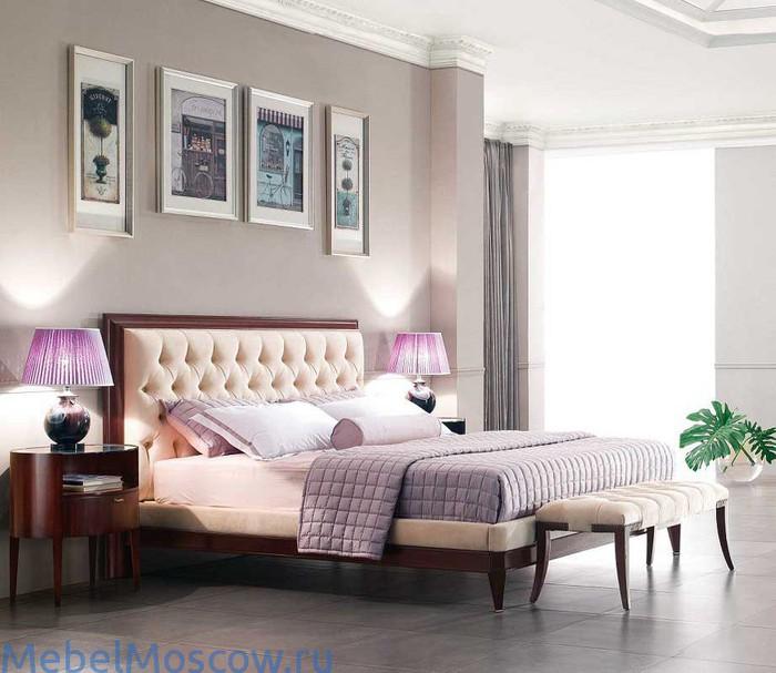 Кровать с оригинальным стеганым изголовьем