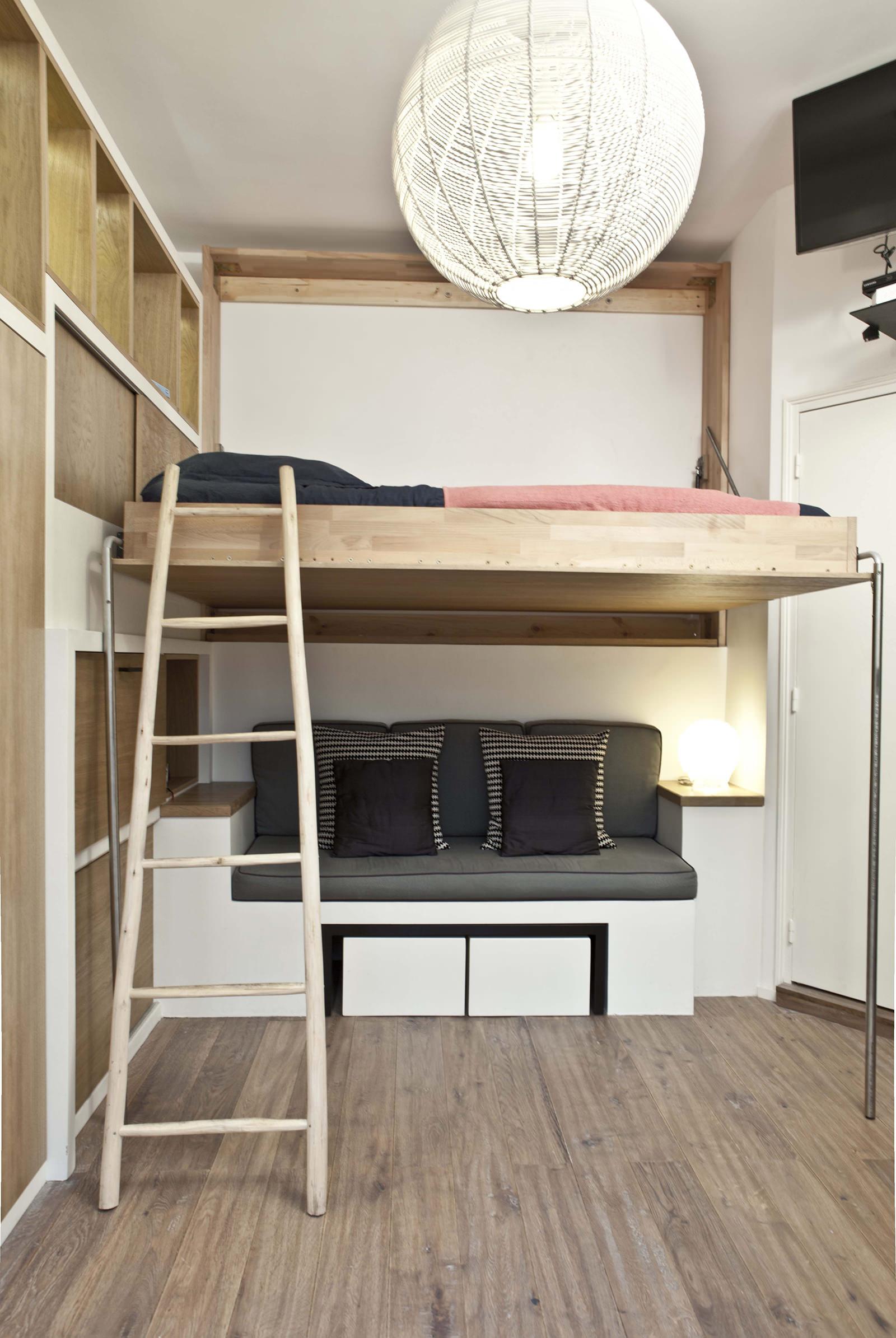 Кровать в интерьере квартиры-студии 18 кв. м