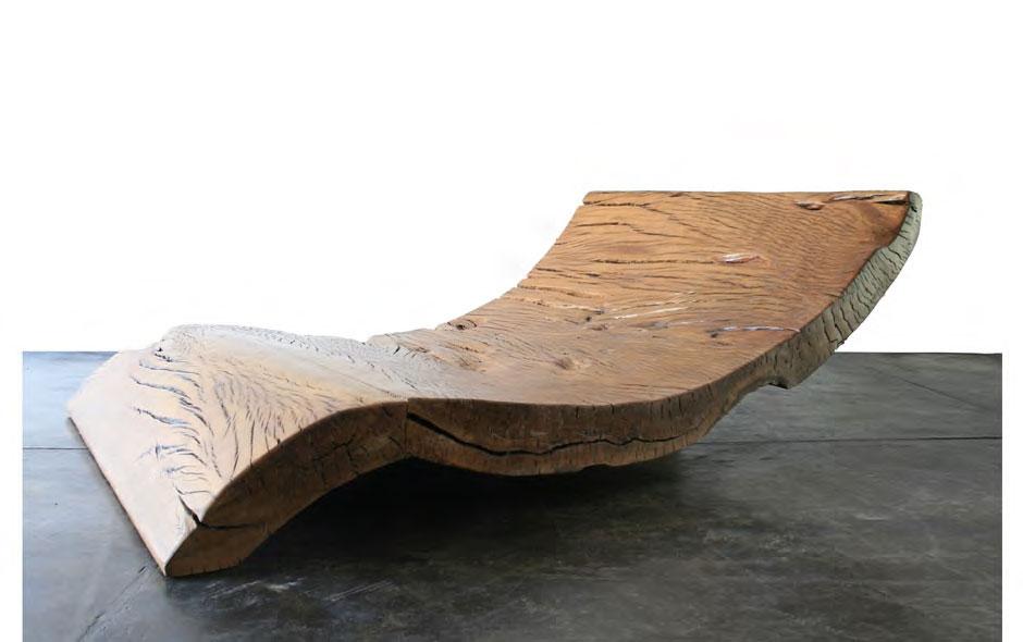 Кушетка на основе дерева