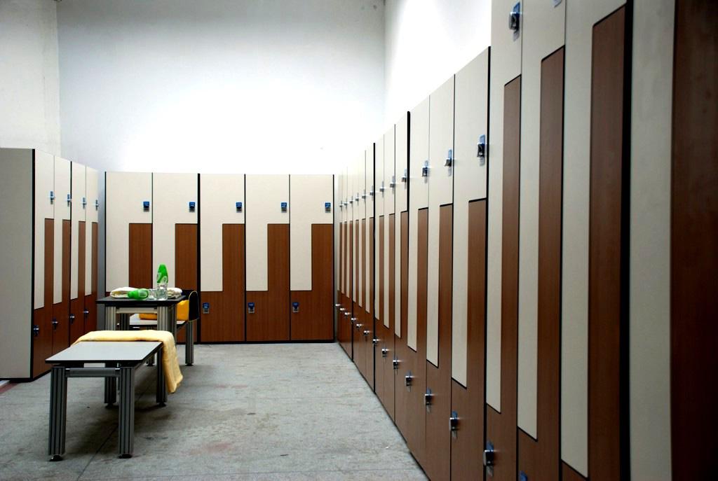 Мебель в раздевалку фитнес клуба