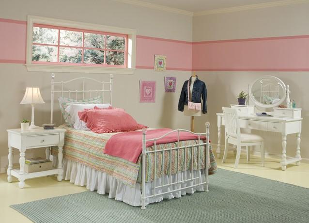 Металлическая кровать для десткой комнаты